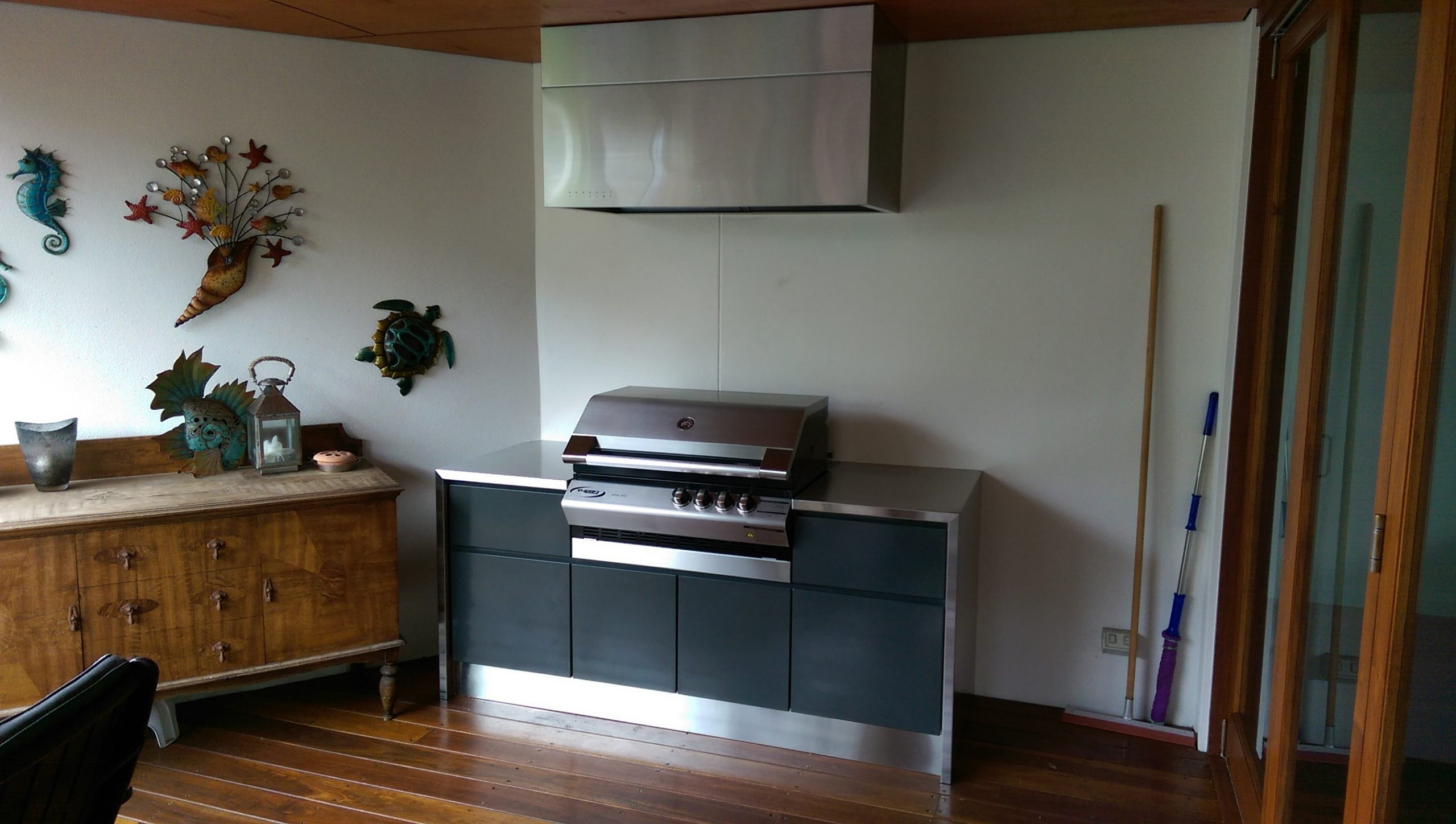 STAINLESS-STEEL-DOMESTIC-OUTDOOR-BBQ
