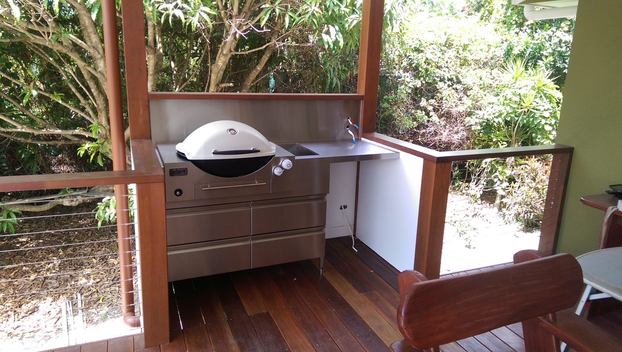 STAINLESS-STEEL-OUTDOOR-BBQ